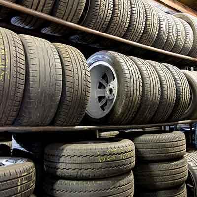 Reifenservice, Reifen-Shop Gil
